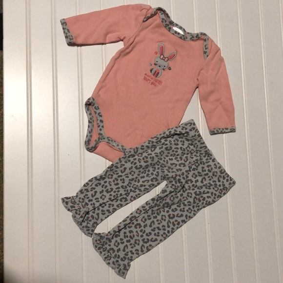 Baby Gear Other - Baby Gear Girl 3-6M matching some bunny loves you